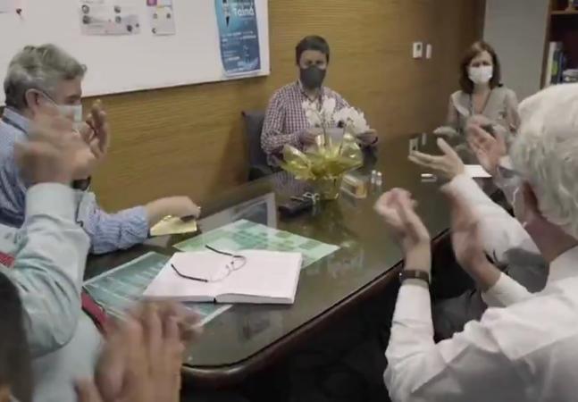 Equipe do Butantan grita e chora ao receber dados sobre eficácia de vacina contra covid-19