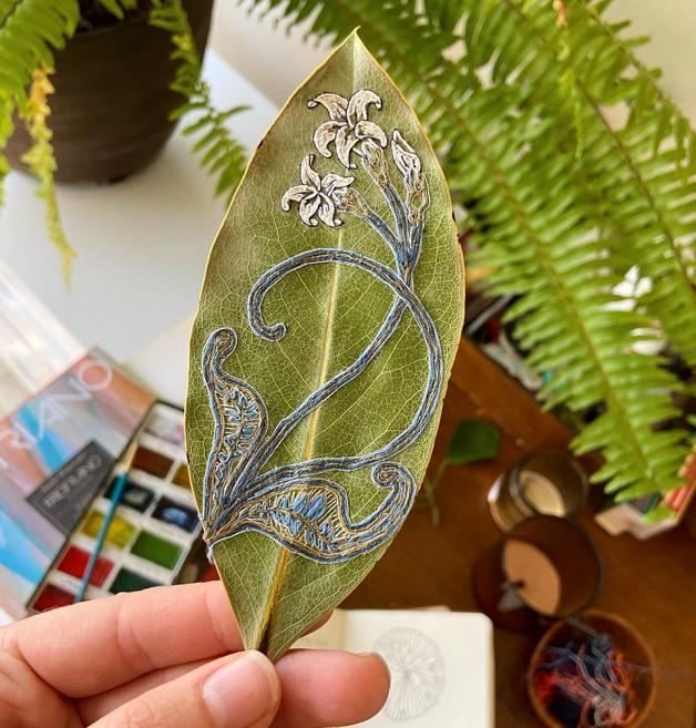 As folhas bordadas da artista Hillary Waters Fayle