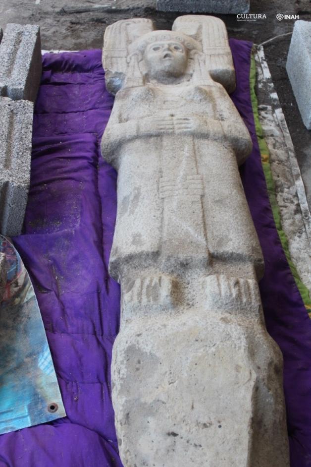 Frente da estátua huasteca encontrada no México