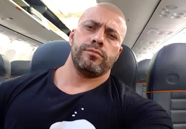Deputado negacionista que insistiu em embarcar sem máscara é retirado de voo pela PF