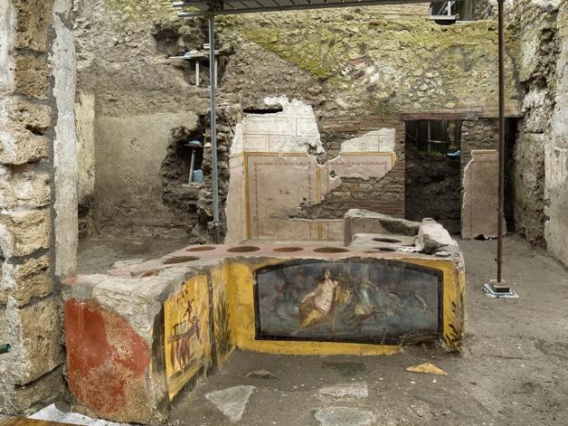 Visão geral do thermopolium descoberto em Pompéia