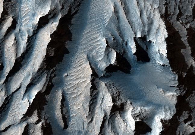 Nasa revela imagens do 'Grand Canyon de Marte' 10 vezes maior que o da Terra