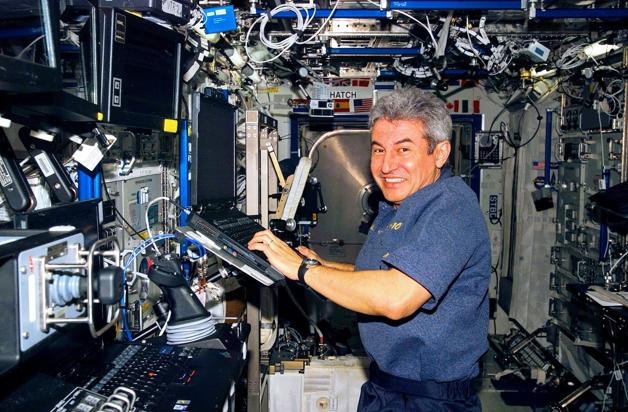 Astronauta brasileiro Marcos Pontes na Estação Espacial Internacional