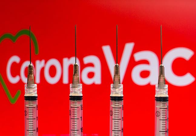 Vacina contra covid-19 começa dia 20, dizem prefeitos; estes são os documentos necessários para se imunizar
