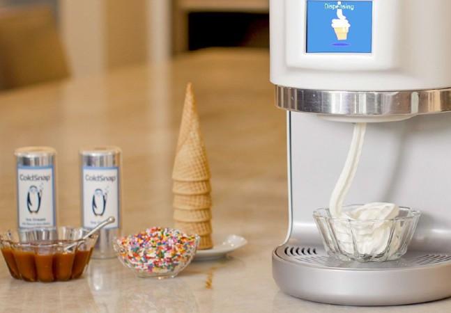 Esta máquina com cápsulas de sorvete faz da sua casa uma verdadeira sorveteria
