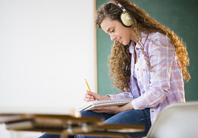 Estudar música aumenta conectividade funcional entre regiões do cérebro, aponta pesquisa