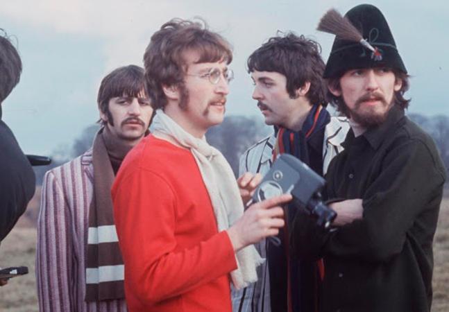 Imagens incríveis dos Beatles filmando o clipe de 'Strawberry Fields Forever' em 1967