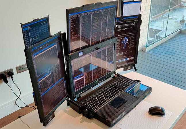 O primeiro laptop com 7 telas do mundo está prestes a se tornar realidade