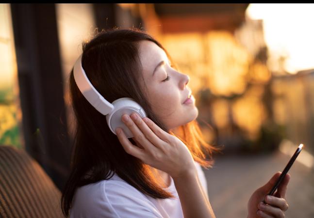 Spotify quer recomendar músicas com base na emoção dos usuários