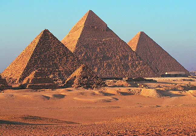 Como Hollywood fez o mundo acreditar que as Pirâmides do Egito foram construídas por escravizados