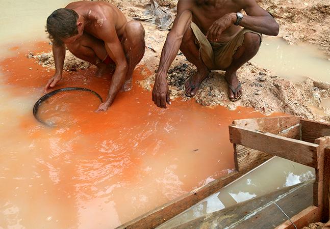RO autoriza garimpo com uso de mercúrio e ignora riscos aos rios e indígenas