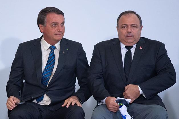 Jair Bolsonaro, presidente do Brasil, e Eduardo Pazuello, ministro da saúde