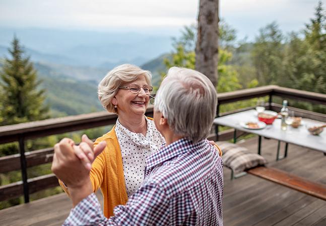 Sabedoria pode combater solidão de idosos, aponta estudo