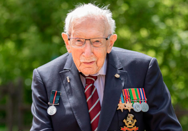 Covid-19 mata veterano da 2ª Guerra de 100 anos responsável por arrecadar R$ 224 mi para o sistema de saúde inglês