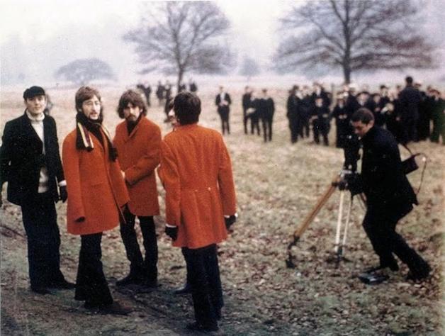 """Os Beatles durante as filmagens do vídeo de """"Strawberry Fields Forever"""", filmado em 1967"""