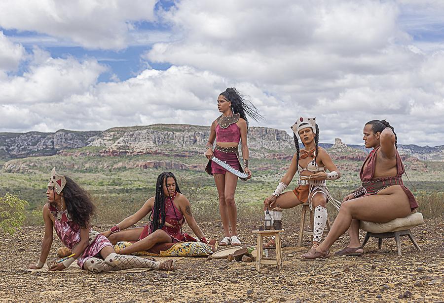 Gravado no Catimbau, 'Lamento de Força' reúne cinco travestis em cena