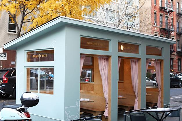 Cabine outdoor do restaurante Quality Eats, em Nova York