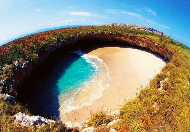 Essa pequena praia circular escondida no México parece saída de um sonho
