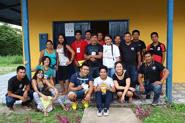 Parte da equipe da rede Wayuri
