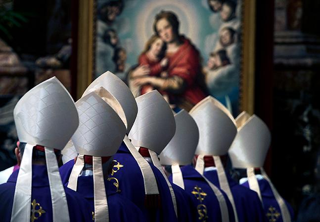 Vaticano é contra união homoafetiva porque 'Deus não abençoa pecado'