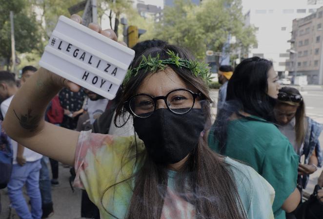 México perto de legalizar uso recreativo da maconha em golpe contra narcotráfico