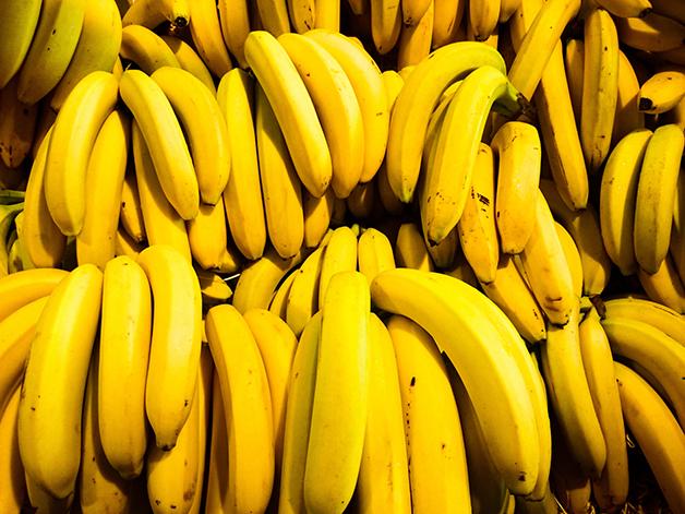 Diversos cachos de banana