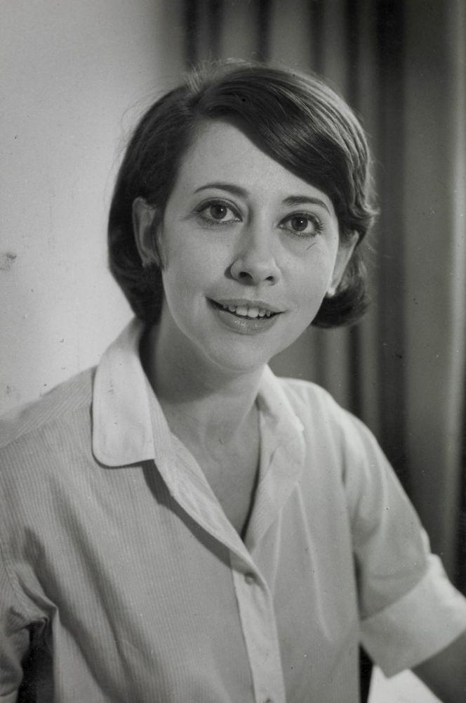 Fernanda Montenegro jovem