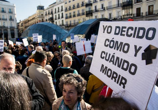 Espanha é 4º país da Europa a legalizar eutanásia e suicídio assistido