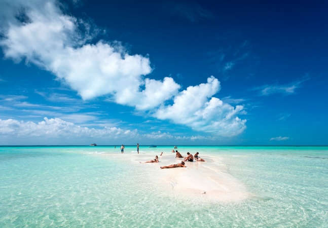 Prefeito de Floripa diz que 'precisava parar' ao justificar férias em Cancún