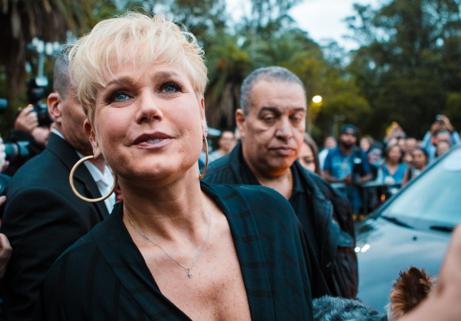 Xuxa diz ter sido chamada de 'loira burra' e que 'as pessoas eram ignorantes na década de 80'