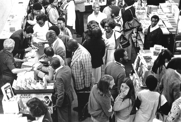 Lançamento do primeiro volume dos Cadernos Negros, na livraria Teixeira, centro de São Paulo, em 1978