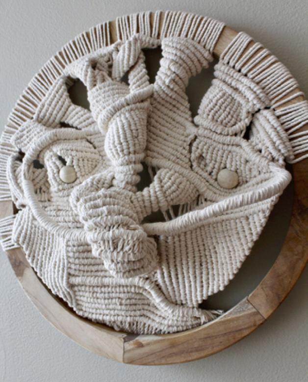 Escultura em macramé de Hansella