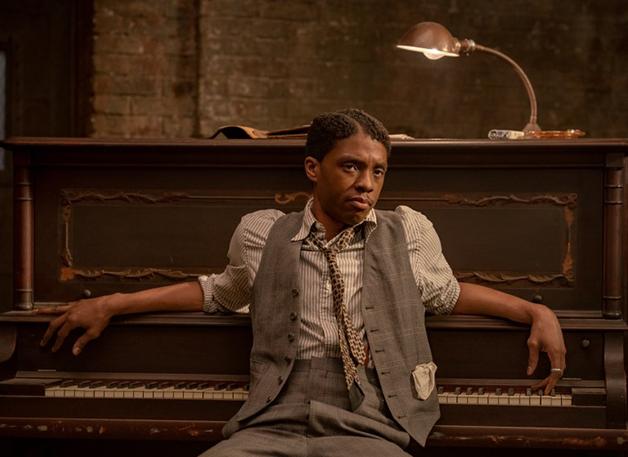 Chadwick Boseman em cena de A Voz Suprema do Blues
