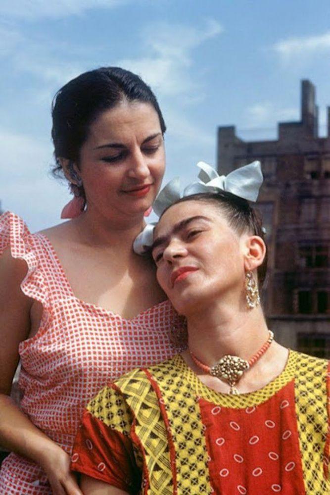 Frida com sua irmã
