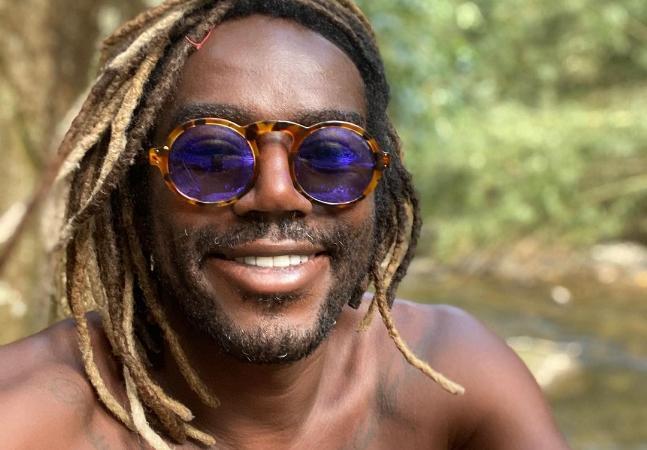 Jonathan Azevedo cobra papel de galã em novela e expõe estigma com negros na TV