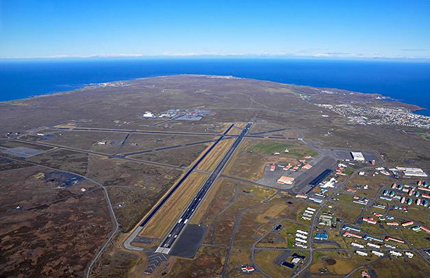 O Aeroporto Internacional de Keflavík
