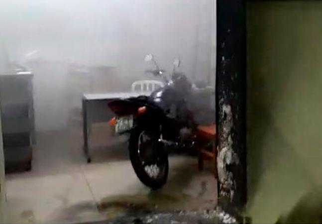 Redação de jornal em SP é alvo de ataque com fogo; casa do proprietário também foi atingida