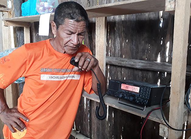 Transmissão de rádio realizada pela Rede Wayuri