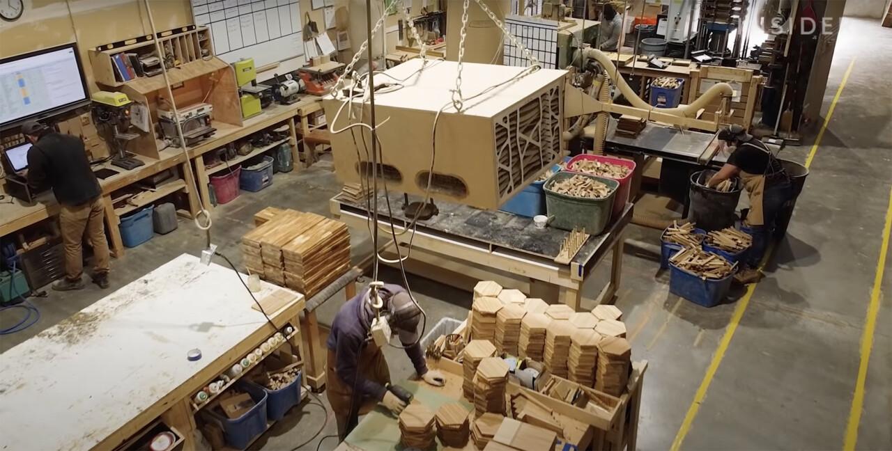 Empresa transforma 'hashis' descartáveis em móveis elegantes e artigos domésticos