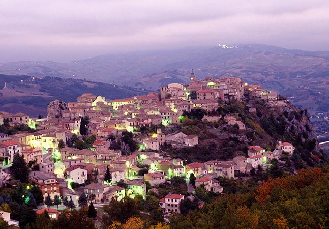 Casas à venda por 1 euro causam confusão e revolta em cidadezinhas italianas