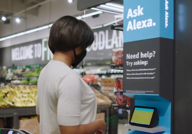 Amazon abre 1ª loja sem caixa fora dos EUA; compras são feitas via QR code do celular