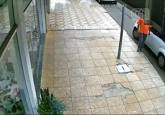 Polícia prende homem com covid-19 que contaminava carros no RS