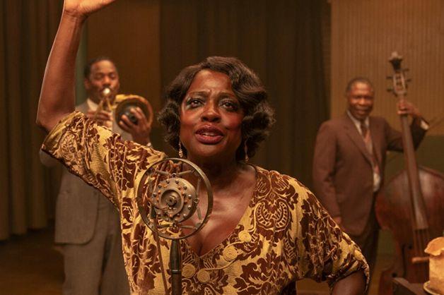 Viola Davis como Ma Rainey em cena do filme A Voz Suprema do Blues