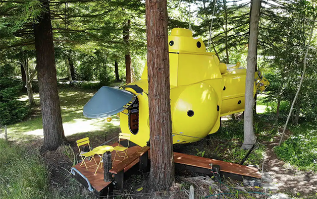"""O """"Yellow Submarine"""" disponível para aluguel no AirBnb na Nova Zelândia"""