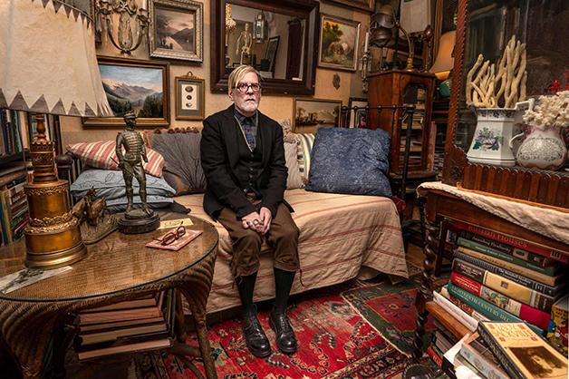 """James Kaston e sua casa no livro """"New Yorkers"""""""