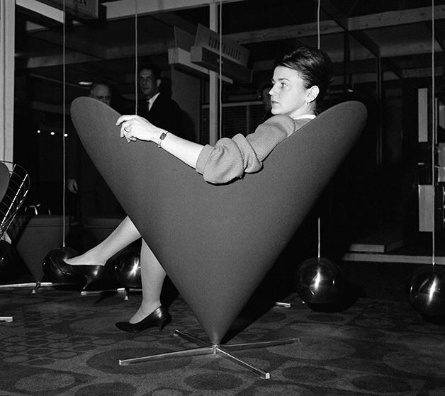 Cadeira de Panton em exposição no início dos anos 1960