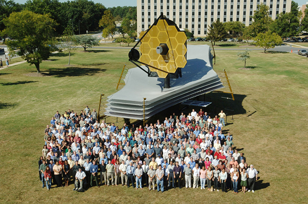Réplica do telescópio James Webb Space Telescope