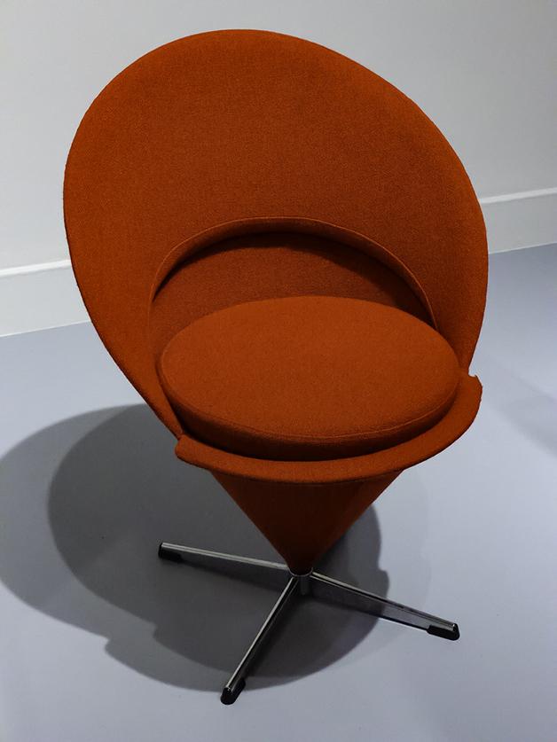 cadeira em cone