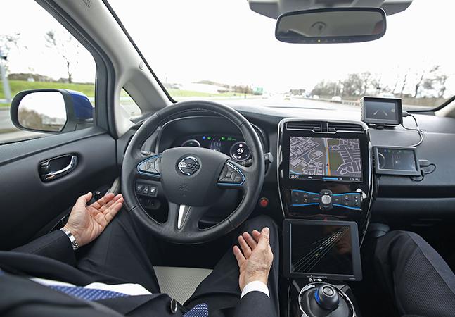 Reino Unido quer liberar carros que 'andam sozinhos' ainda este ano