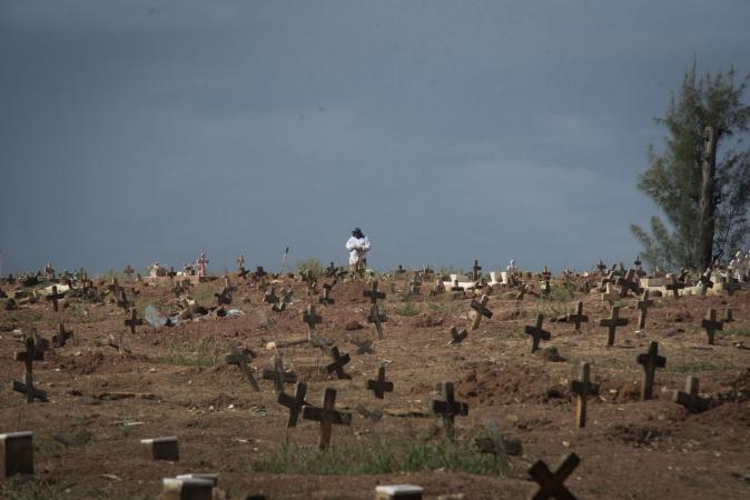 Brasil pode chegar a 1 milhão de mortos por covid em 2022, diz Miguel Nicolelis